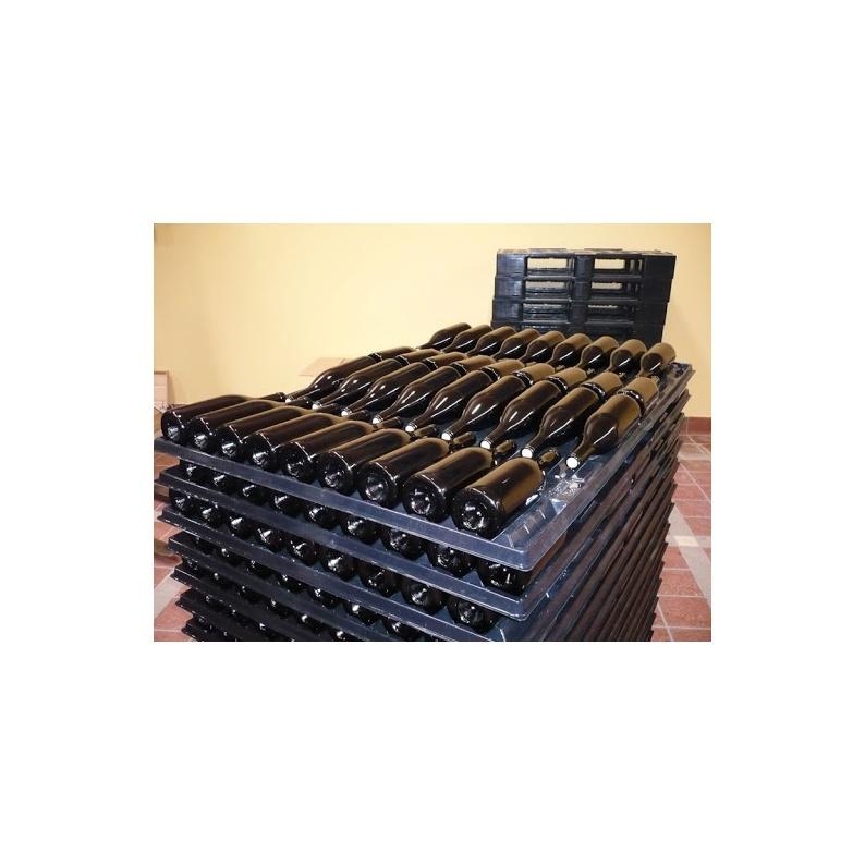 Come esportare le bottiglie di vino su pedana in plastica